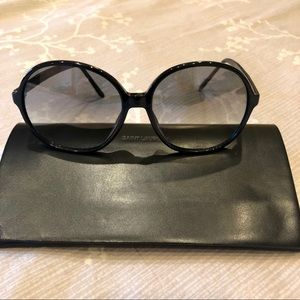 😎 Yves Saint Laurent Sunglasses 😎